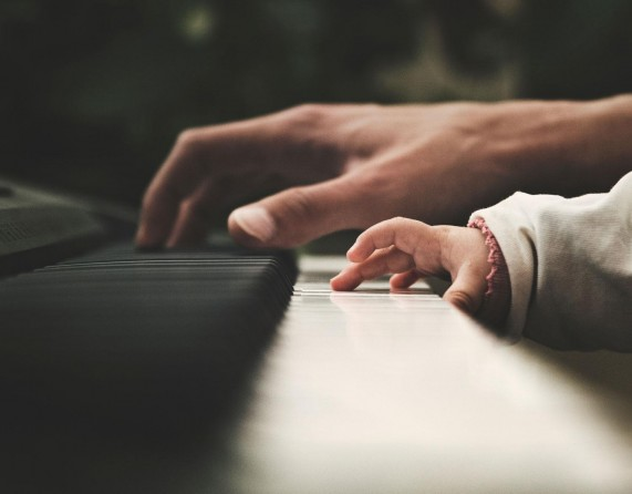 Escalas, Pais e Filhos
